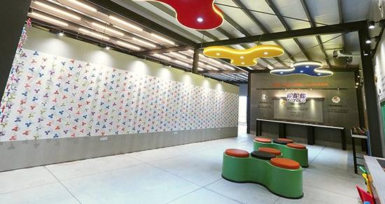 800顆指尖陀螺牆太吸睛 世界首間主題館在台灣
